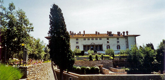 Country Villas in Tuscany and the Medici Heritage